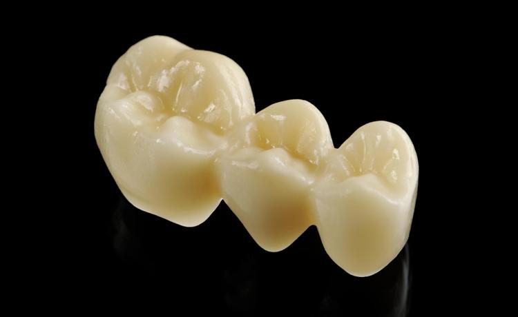 カンドーレ歯科 少数精鋭のスタッフと先端設備の総合歯科